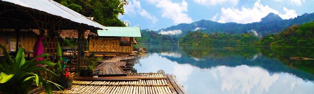 the bay along Tam Gia