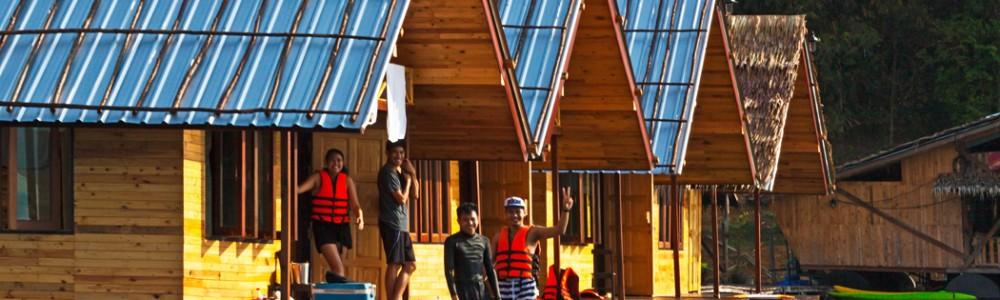 Khao Sok Lakeside Luxury Deluxe Floating Rafthouse
