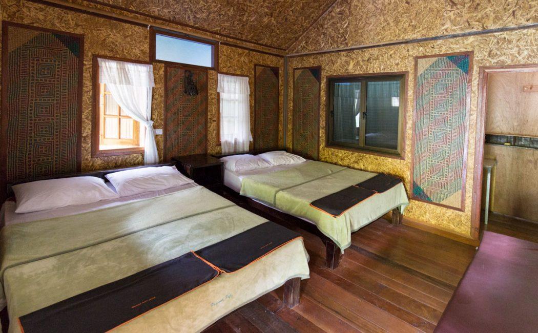 Prai Wan Raft House Family Room, Cheow Lan Lake